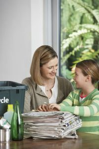DC-Ladies-mom-and-child-recycle-July-2015-19522059_l